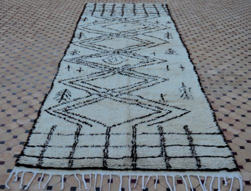 Beautiful Moroccan azilal rugs & carpets