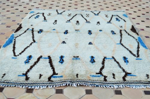 Azilal carpet in square shape