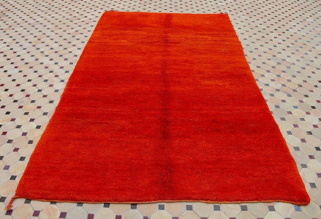 Beni Mrirt carpet red color