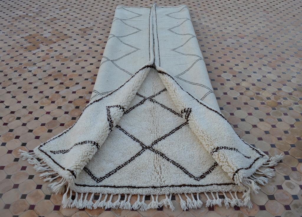 beni ouarain carpet with lines design