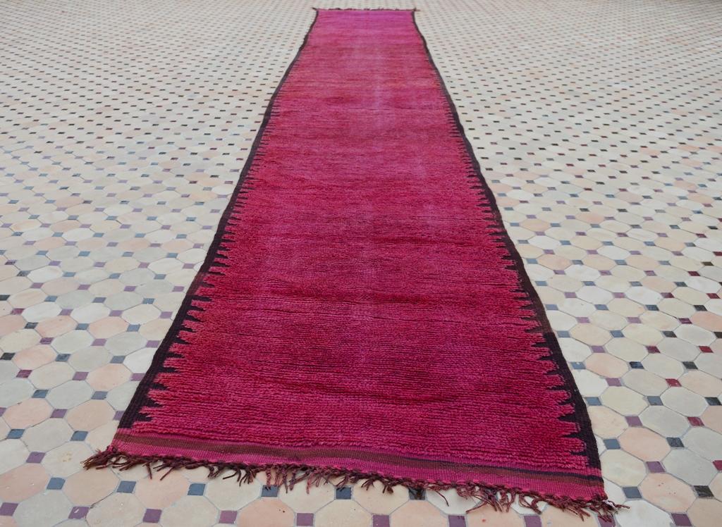 rehamna carpet red color